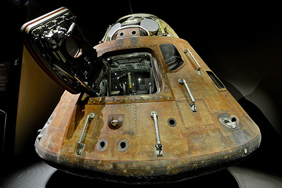walle_apollo_14_command_module
